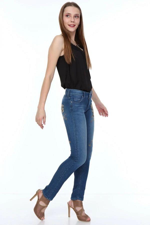 Women's Normal Waist Stone Pattern Knitted Jeans